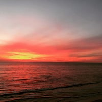 Photo taken at Beacon's Beach by Sandra W. on 10/10/2016
