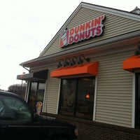 Photo taken at Dunkin Donuts by Jullian P. on 4/12/2013