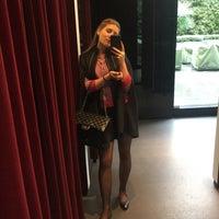 Das Foto wurde bei Dolce&Gabbana von Dana P. am 10/28/2015 aufgenommen