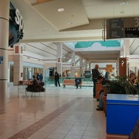 Photo taken at Bayshore Shopping Centre by Septyan H. on 3/30/2013
