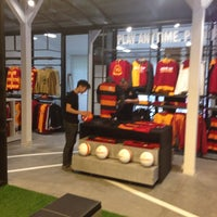 Photo taken at Galatasaray Store by £MR€!$t@NBUL🇹🇷 C. on 2/17/2014