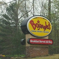 Photo taken at Bojangles' Famous Chicken 'n Biscuits by Kevin S. on 3/25/2016