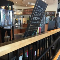 Photo taken at Starbucks by Guido Alex B. on 8/17/2016