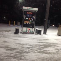Photo taken at 7-Eleven by Flakes on 1/2/2014