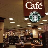 Photo taken at Barnes & Noble by Beth R. on 9/15/2013