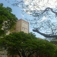 Photo taken at Yakisoba Da Pracinha Do Dalben by Liselene B. on 8/17/2013