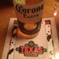 Photo taken at Texas Roadhouse by Leandro M. on 4/28/2013