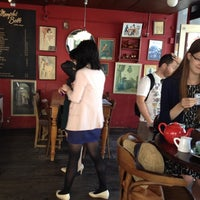 Photo taken at Memphis Belle Coffee House by Flor M. on 1/6/2014