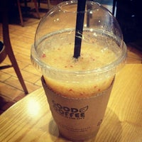 Photo taken at GOOD COFFEE by kwon E. on 9/20/2014