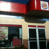 Photo taken at Burger King by El G. on 9/23/2012