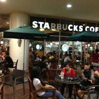 Photo taken at Starbucks Coffee by Tetsuo N. on 7/3/2013