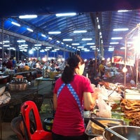 Photo taken at Wat Chai Chimplee Market by Lemon Za on 11/18/2012