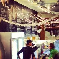 Photo taken at Jeni's Splendid Ice Creams by Larry T. on 11/27/2012