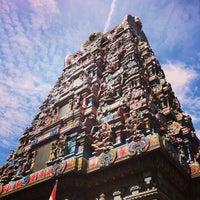 Photo taken at วัดพระศรีมหาอุมาเทวี (วัดแขก) Sri Mahamariamman Temple by Kan K. on 7/20/2013