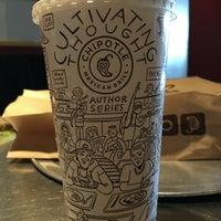 Photo taken at Chipotle Mexican Grill by Jemillex B. on 6/13/2016