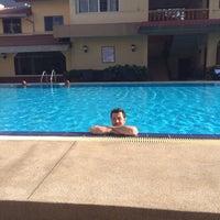 Photo taken at Sabai Inn Pattaya by Korhan Ü. on 2/24/2015
