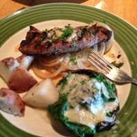 Photo taken at Applebee's Redwood City by Argil S. on 8/3/2013