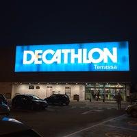 Photo taken at Decathlon by Sergio Q. on 11/25/2014