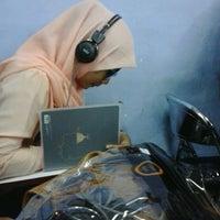 Photo taken at STIE Indonesia (STEI) Rawamangun by War Shinta Permata on 9/16/2013
