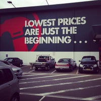 Photo taken at Bunnings Warehouse by Big M T. on 6/6/2013