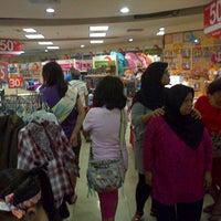 Photo taken at Matahari Departement Store by Hendric Chia K. on 8/1/2014