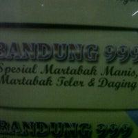 Photo taken at Martabak Bandung 999 by ismail w. on 10/31/2012