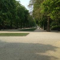 Photo taken at Warandepark / Parc de Bruxelles by Raf K. on 5/7/2013