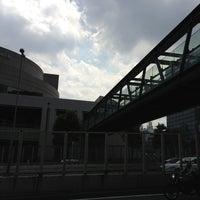 Photo taken at 希望の橋 (ブリッジ渋谷21) セルリアンタワー前歩道橋 by 江東橋 on 8/29/2013