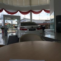 Photo taken at UMW Toyota Motor Sdn. Bhd. by Nik M. on 3/29/2014