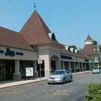 Photo taken at Jackson Premium Outlets by Cesar Z. on 8/21/2013