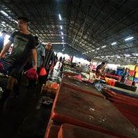 Photo taken at Pasar Borong Kemunting by oneshafiq W. on 5/16/2016