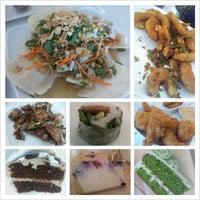 Photo taken at Loving Hut Vegan Cuisine by Yves D. on 11/3/2012