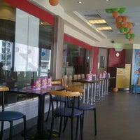 Photo taken at McDonald's by Manjunaath T. on 5/17/2013