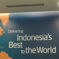 Photo taken at Garuda Indonesia Sales & Ticketing Office by Dinda H. on 5/22/2014