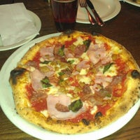 Photo taken at Famoso Neapolitan Pizzeria by Dado V. on 11/29/2012
