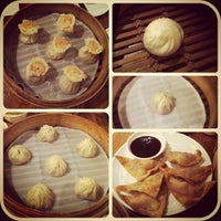 Photo taken at Din Tai Fung 鼎泰豐 by Jason S. on 2/1/2013