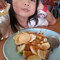 Photo taken at Restoran Raya by Mrs_Si♥ng on 5/3/2014