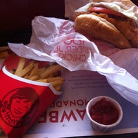 Photo taken at Wendy's by Jie B. on 5/21/2013