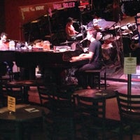 Photo taken at Sgt. Pepper's Dueling Piano Bar by Bunyad K. on 9/22/2014