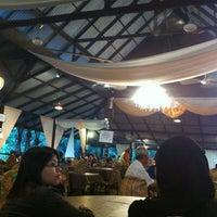 Photo taken at Restoran Tupai-Tupai by Awal Nazby A. on 7/18/2013