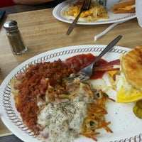 Photo taken at Waffle House by Leonard L. on 6/17/2013