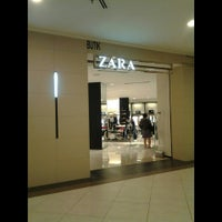 Photo taken at Zara by UmiAbiNini on 8/31/2013