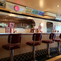 Photo taken at Ruby's Diner by Hiroshi 🎩 on 3/19/2013