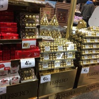 Photo taken at Carrefour market by Jolien 🎈 on 12/12/2015