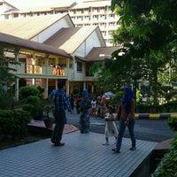 Photo taken at Kolej Kediaman Raja Dr Nazrin Shah (KK12) by zulkifli s. on 5/26/2013