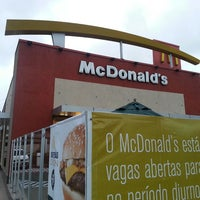 Photo taken at McDonald's by Luiz Claudio C. on 8/20/2013