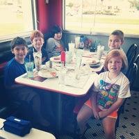 Photo taken at Steak 'n Shake by Jennifer R. on 8/31/2014