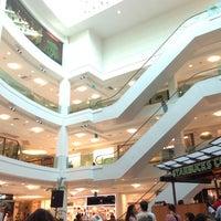 Photo taken at Shopping Leblon by Freddy M. on 7/11/2013