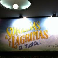 Photo taken at Teatro Arteria Coliseum by Hendrik J V. on 12/22/2012