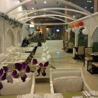 Photo taken at Warisan Cafe Royale Chulan by ghazz on 9/29/2012